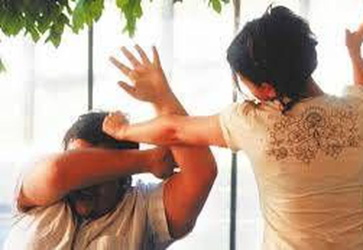 Los hombres que sufren violencia pueden acudir a los módulos especializados. (Contexto/Internet)