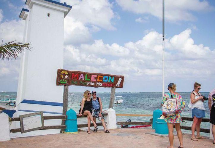 La tendencia de ocupación hotelera y llegada de visitantes a Puerto Morelos, se mantendrá hasta concluir la temporada de Semana Santa. (SIPSE)
