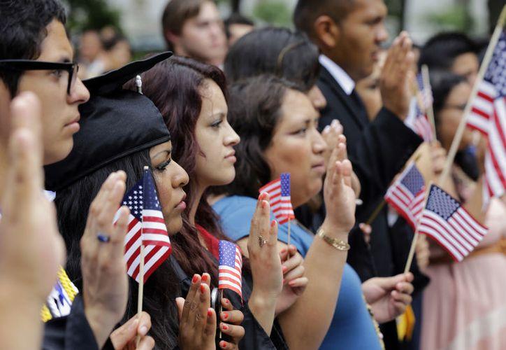 Los 'dreamers' llegaron a Estados Unidos a los tres o cuatro años, entraron a la escuela y aprendieron la cultura estadunidense, pero son ilegales. (Agencias)
