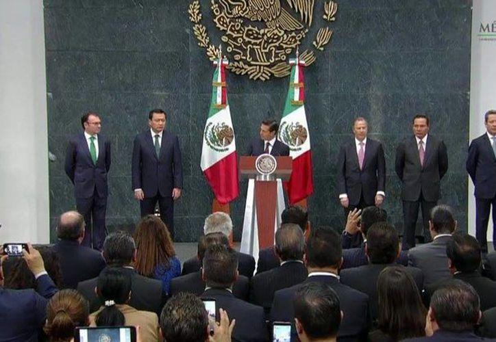 Imagen de la conferencia de prensa en la que el presidente Enrique Peña Nieto anunció los cambios a su gabinete. (twitter.com/PresidenciaMX)