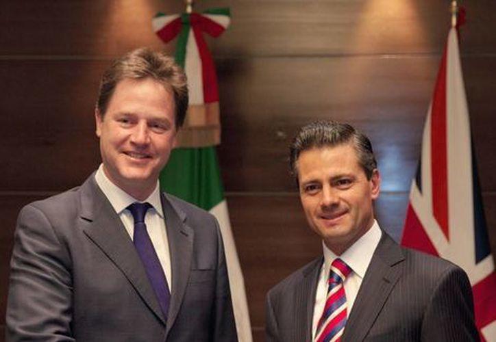 El Presidente junto a el Viceprimer Ministro del Reino Unido de la Gran Bretaña e Irlanda del Norte. (presidencia.gob.mx)