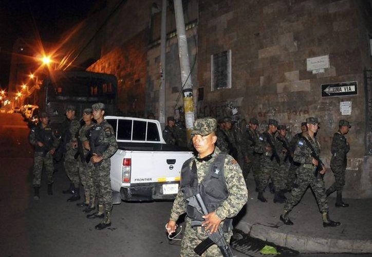 Tan solo en Honduras las autoridades decomisaron en 2012 unas 32 toneladas de cocaína. (Agencias)