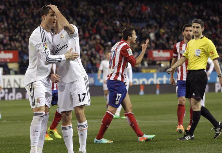 En menos de 16 minutos 'CR7' logró que el Real Madrid llegara a la final de la Copa del Rey. (EFE)