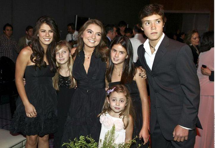 Una numerosa familia presidencial ocupará Los Pinos este sexenio. (Agencia Reforma)