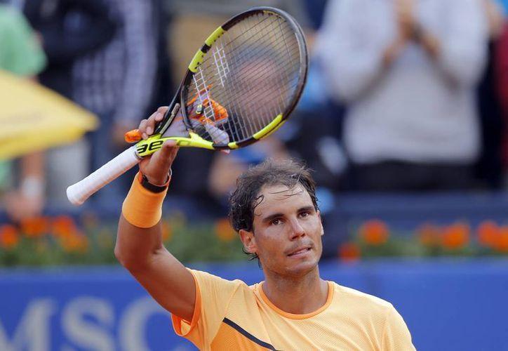 Rafael Nadal avanzó a la final tras derrotar al alemán Philipp Kohlschreiber en dos sets. (AP)