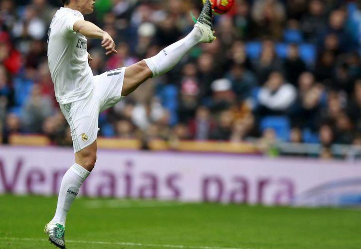 James Rodríguez fue perseguido por la Policía Nacional Española por conducir a más de 200 km/h hacia la sede del Real Madrid, en Valdebebas para asistir a un entrenamiento. (EFE)