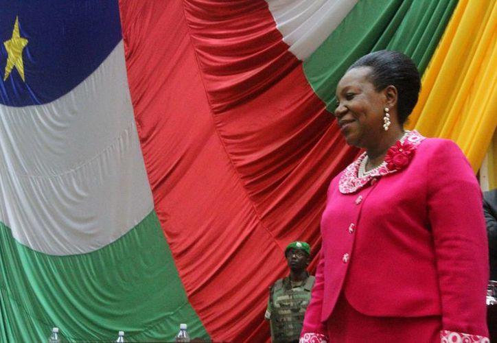 Catherine Samba durante su nombramiento en la Asamblea Nacional de República Centroafricana como nueva presidenta interina del país. (Agencias)