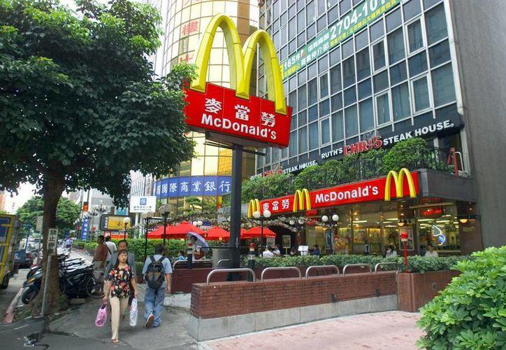 En respuesta a las protestas, una portavoz de McDonald's en Taiwán ofreció disculpas por la actitud del gerente. (aboutmcdonalds.com)