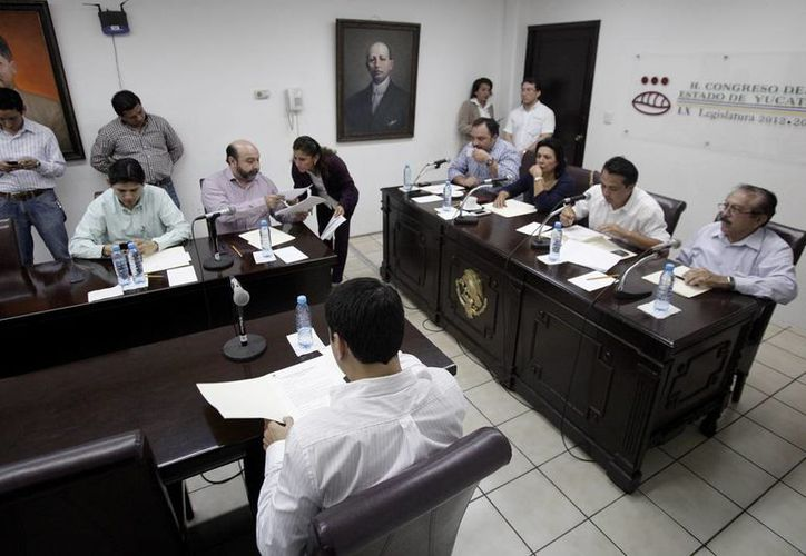 El Segundo Paquete Fiscal Municipal de 2014, que aún está bajo análisis, contiene las Iniciativas de 53 ayuntamientos. (Cortesía)