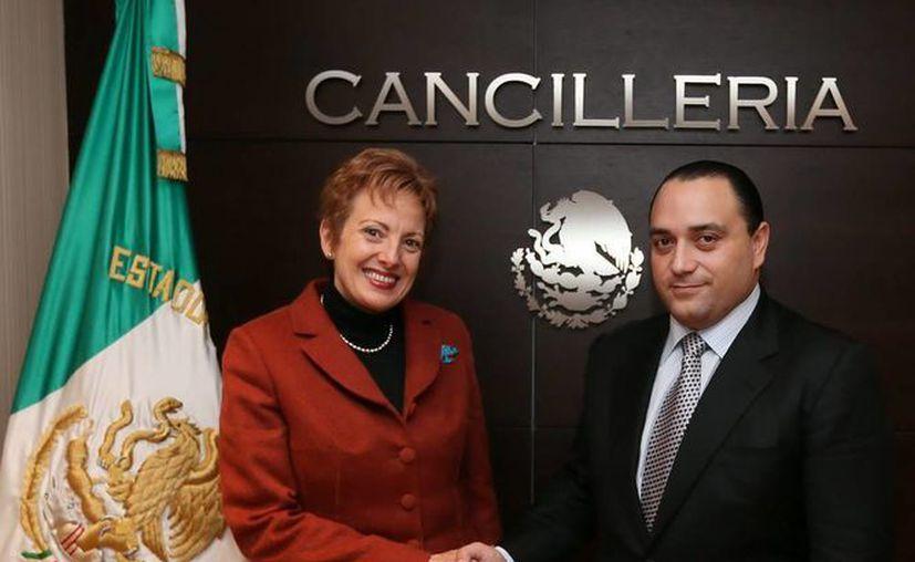 Borge Angulo solicitó apoyo específico para impulsar la conectividad aérea del estado. (Cortesía/SIPSE)