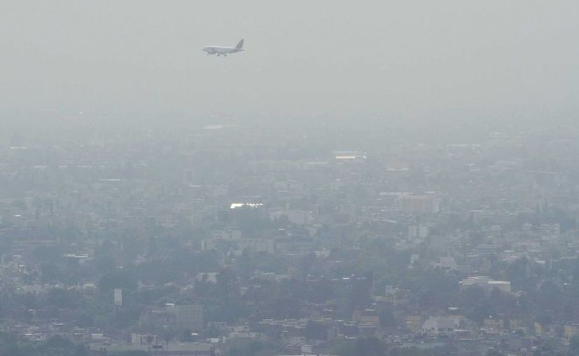 En el Valle de México, se espera mala calidad del aire durante gran parte del día y durante la tarde, la concentración de ozono se mantendrá alta. (Notimex)
