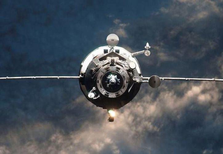 Actualmente la nave Progress M-27M merodea el espacio sin control. (spaceflightinsider.com)