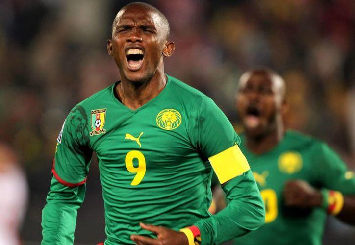 Samuel Eto'o ha sido un delantero implacable y ha ganado muchos títulos, pero en el Mundial quedó a deber con su selección, Camerún. (EFE)