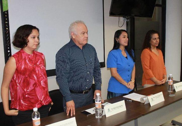 En el evento estuvieron presentes profesores investigadores. (Cortesía/Uqroo)