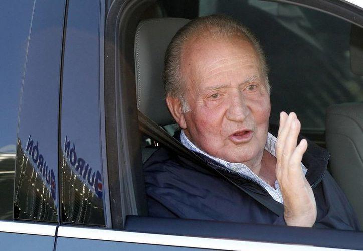 El Rey Juan Carlos fue operado primero el 24 de septiembre para que le quitaran una prótesis y esta vez lo operaron para colocarle el reemplazo. (Efe)