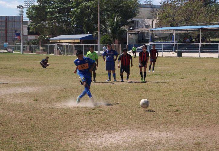 El primer gol llegó al minuto 10 de los botines de Abraham Gamboa. (Ángel Mazariego/SIPSE)