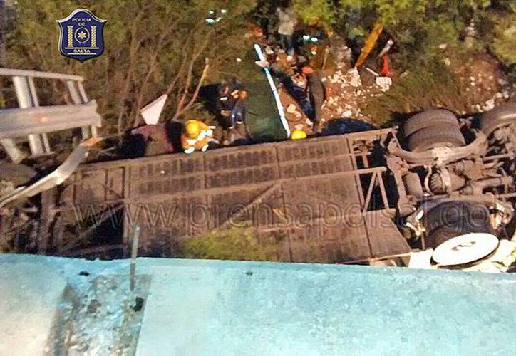Imagen del accidente donde fallecieron varios integrantes de la Gendarmería Nacional. (prensapolsal.gob.ar)