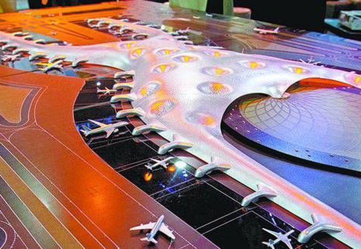 La propuesta del consorcio Aldesem fue la más viable para la torre de control del nuevo aeropuerto capitalino. (Milenio)