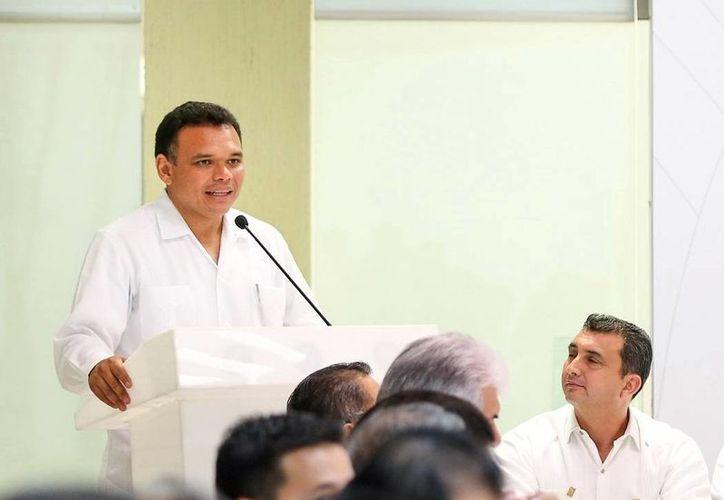 Zapata Bello acudirá al informe de un diputado federal. (SIPSE)