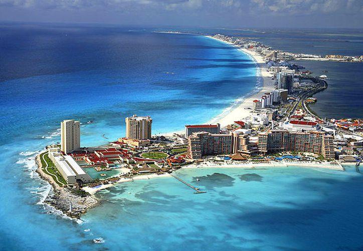 El año pasado llegaron 6,039 turistas extranjeros a Cancún. (Foto: Internet)