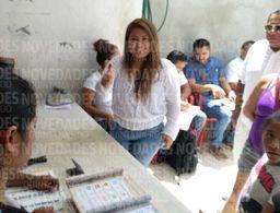 Emite su voto presidenta municipal de Tulum