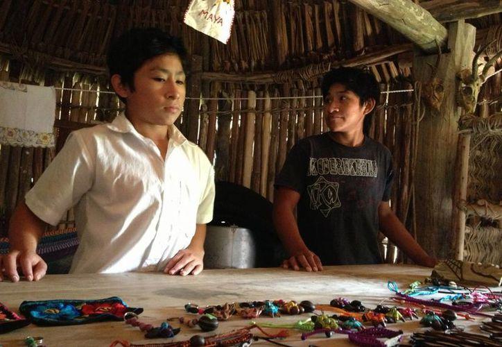 Los tour en los poblados benefician económicamente a los habitantes. (Adrián Barreto/SIPSE)