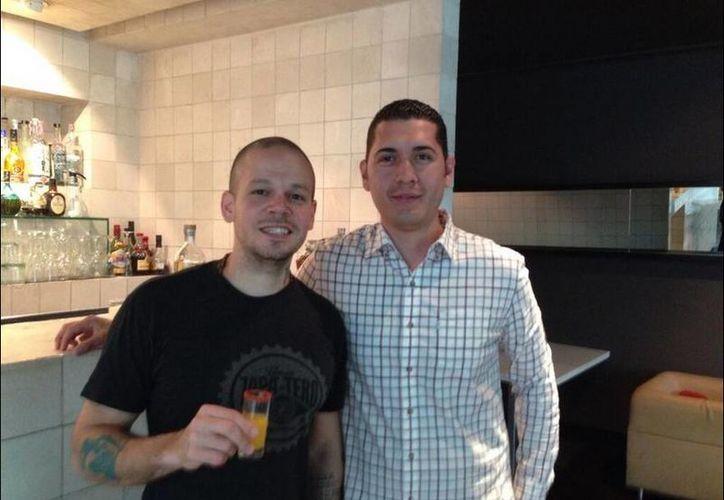 René Pérez y Beto se reunieron tras el incidente durante el concierto de Calle 13 en el Vive Latino. (Twitter.com/@Calle13Oficial)