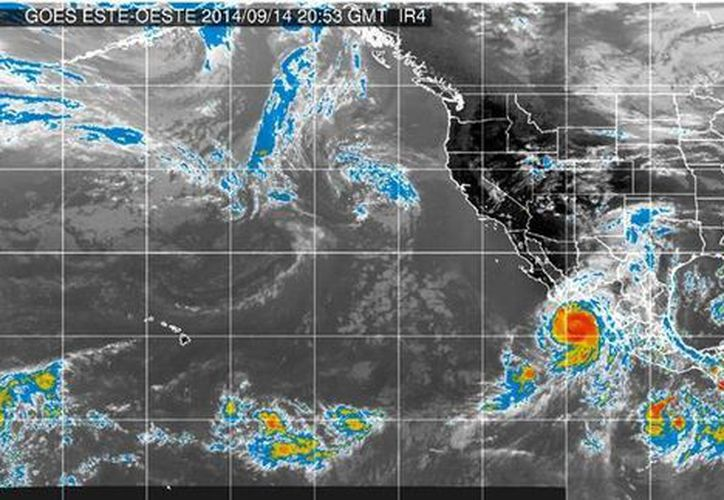 El huracán 'Eduardo' se mantiene muy lejos de la costas mexicanas. (Conagua)