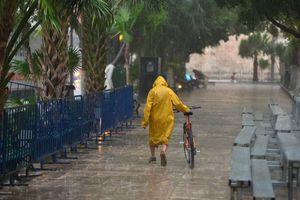 Tras días de sequía, cae diluvio en Mérida