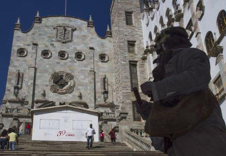 El alcalde invita a visitar los atractivos de Guanajuato. (animalpolitico.com)