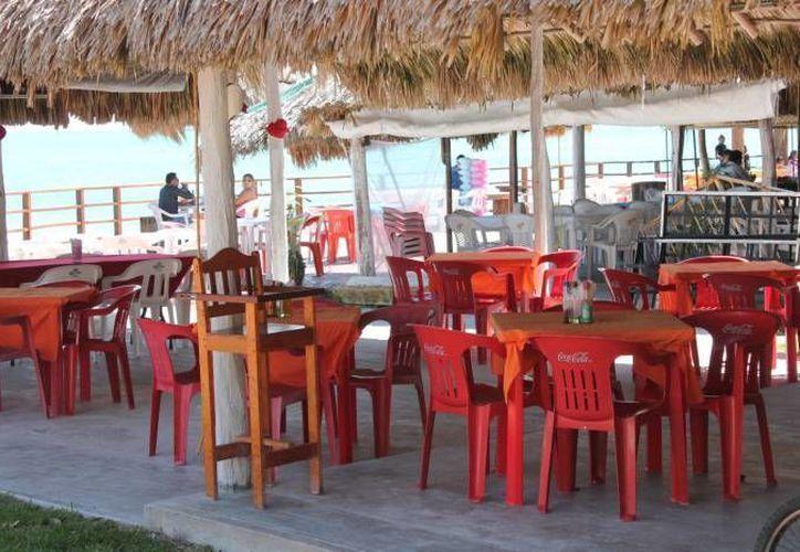 La Canirac vislumbra el cierre de restaurantes y despido de personal para este 2015. (Harold Alcocer/SIPSE)