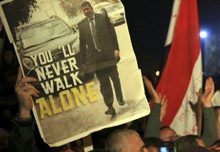 Un partidario del presidente Morsi durante una manifestación en El Cairo. (Agencias)
