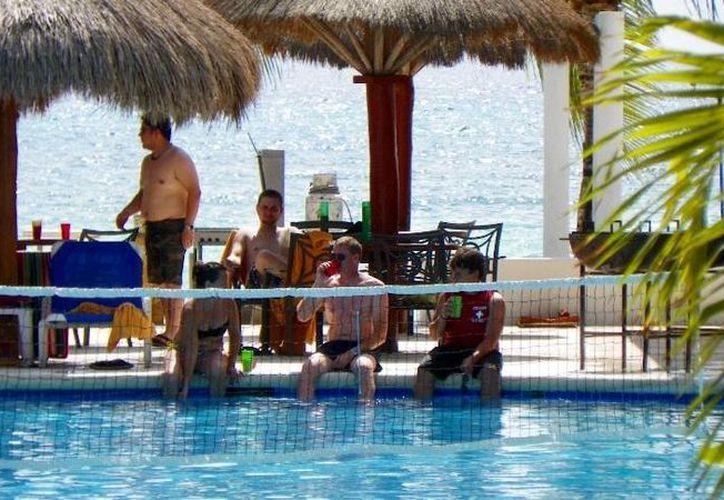El fin de semana pasado la ocupación hotelera en Cozumel era de 74%, se espera que al finalizar esta semana el porcentaje sea de 30%.  (Irving Canul/SIPSE)