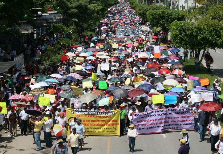 Tienen programado una marcha multitudinaria que iniciará a partir de las nueve horas del lunes. (Foto: Contexto/Internet)