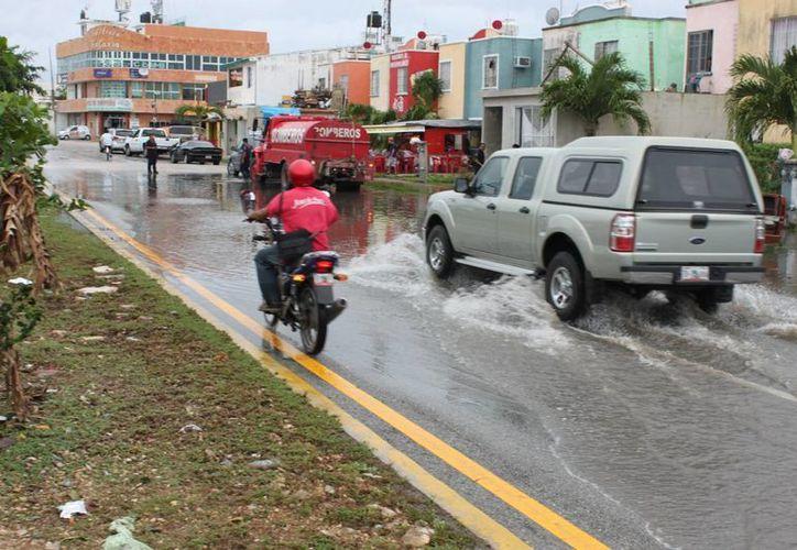 El sistema de drenaje pluvial se vio rebasado en su capacidad. (Archivo/SIPSE)