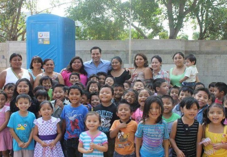 El diputado Mauricio Vila ha realizado diversas convivencias con la gente de Mérida. (Cortesía)