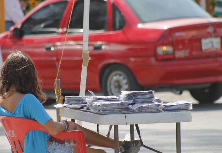 En Benito Juárez calculan que existen 10 mil vendedores ambulantes. (Jesús Tijerina/SIPSE)