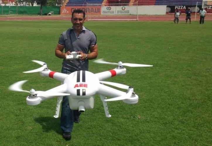 Sin importar el peso, los drones sólo pueden ser operados durante el día. (Redacción/SIPSE)