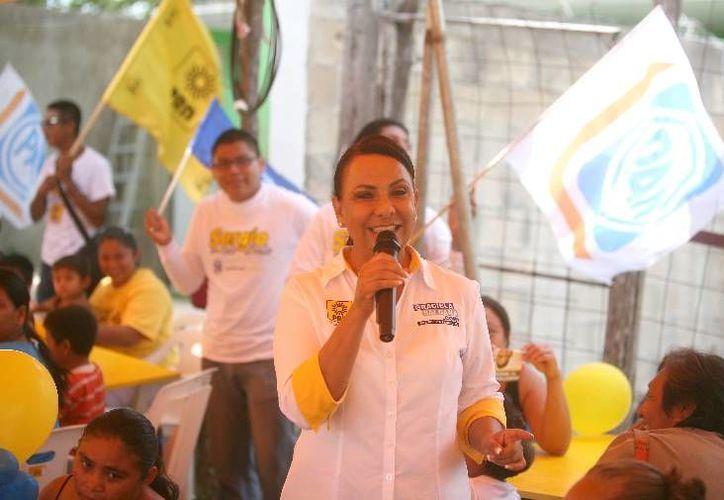 La candidata Graciela Saldaña Fraire durante un acto de proselitismo. (Cortesía/SIPSE)