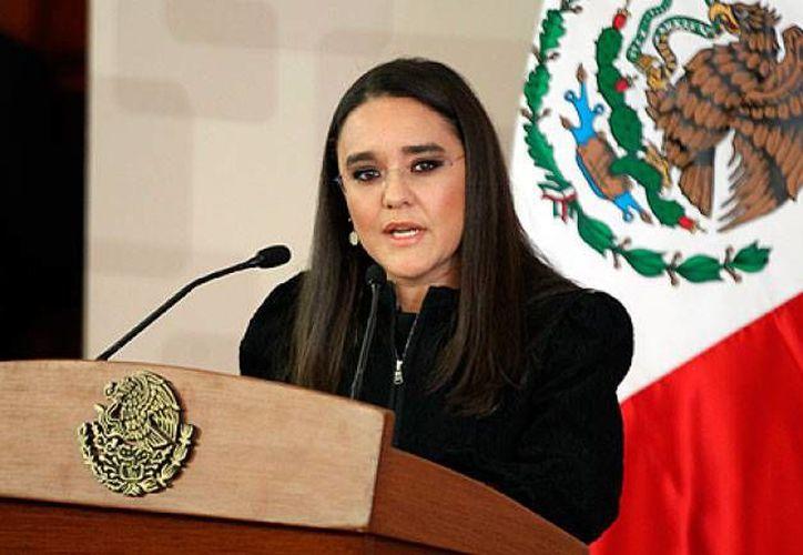 """Alejandra Sota (imagen) demandó a Dolia Estévez por haber incluido su nombre en una artículo para la revista Forbes bajo el título """"Los 10 Mexicanos Más Corruptos del 2013"""". (Archivo/Notimex)"""