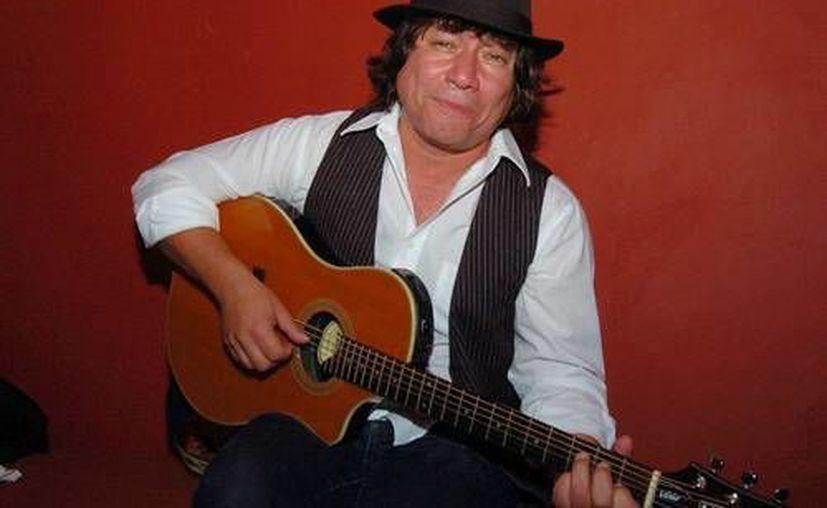 Miguel Luna (foto) dará un concierto en la ciudad de Mérida totalmente acústico y con un repertorio lleno de éxitos. (Milenio Novedades)