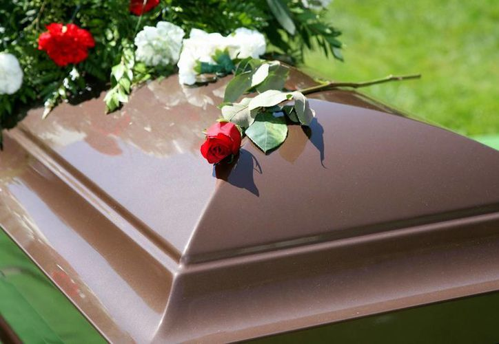 En México, el costo para adquirir una fosa para inhumación se eleva hasta los 100 mil pesos, razón por la cual ha aumentado la demanda de incineraciones.  (rd.com)