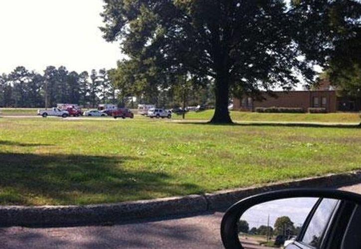 La base de Actividades de Apoyo Naval en el Sur en la ciudad de Millington, cerca de Memphis fue cerrada. (twitter.com/wsfa12news)