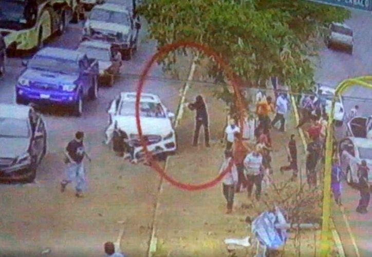 Las autoridades creen que los videos difundidos en redes sociales, alertaron a los agresores. (Foto: Captura del video)