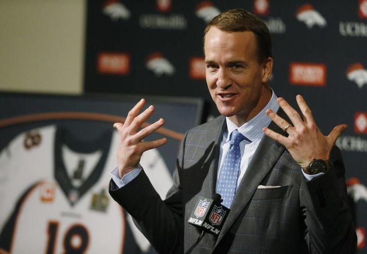 Peyton Manning, quien hace poco se retiró como jugador de la NFL, fue exonerado por dopaje. (AP)