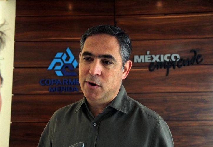 El dirigente empresarial Nicolas Madáhuar Boehm considera que más que escuchar a los candidatos se deben exigir los temas que interesan a los yucatecos. (SIPSE)