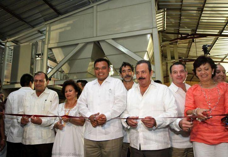 Inauguración de la planta de alimentos para ganado bovino de la UGROY, en Tizimín. (Cortesía)