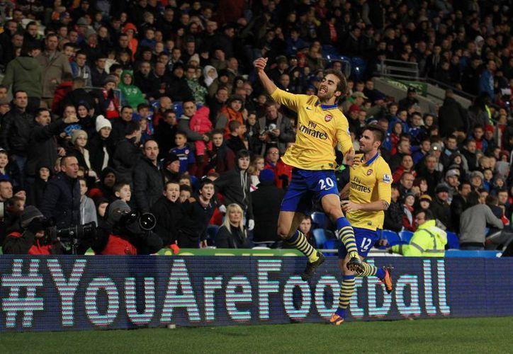 El Arsenal que llegó a 31 puntos, continuará una semana más en el liderato. (Foto: Agencias)