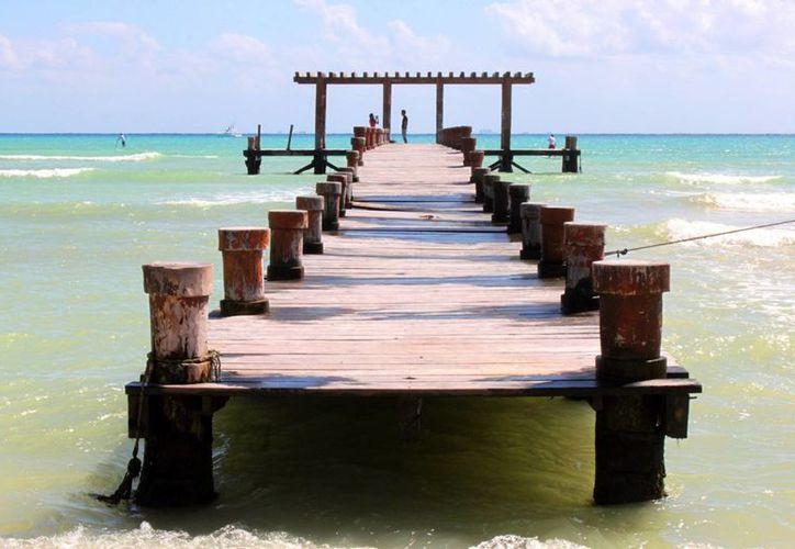 Hasta el próximo año se definirá el futuro del muelle rústico de Playa del Carmen. (Daniel Pacheco/SIPSE)