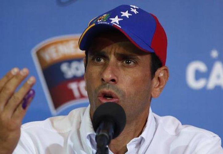 """""""Vamos a anunciar al país una serie de acciones en las próximas horas, pero en una instancia de coordinación de todos los partidos"""", afirmó Capriles. (Agencias/Archivo)"""